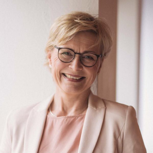 Edith Plegge, Kommunikationstrainerin