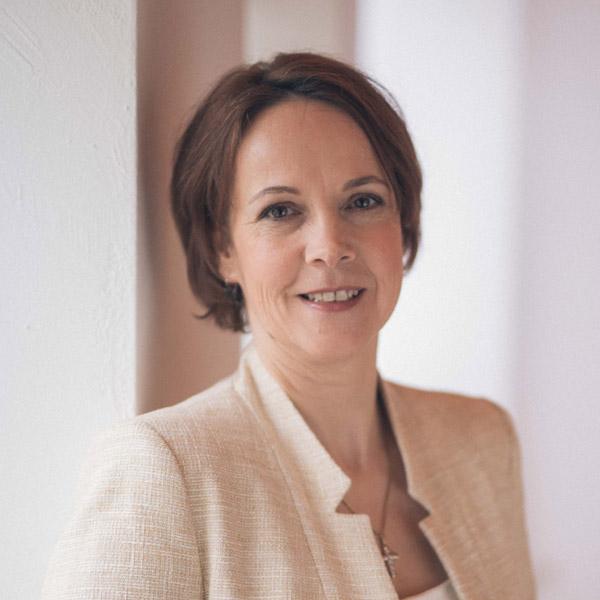 Sandra Beer, Wirtschaftspsychologin und Kommunikationstrainerin